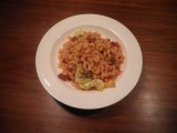 Macaronischotel met zongedroogde tomaatjes