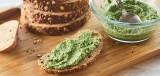 Volkorenbrood met groene spread