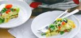 Aardappelomelet met doperwtjes en paprika