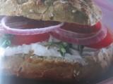 Panini met verse geitenkaas en tomaat