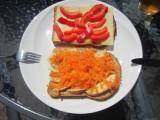 Boterham met appel en geraspte wortel
