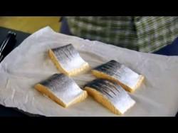 Aziatische zalm met in bouillon gegaarde sugar snaps en mie